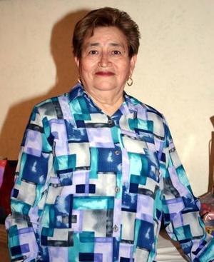 Sra. Lupita de Aguilera recibió bumerosas felicitaciones por su cumpleaños