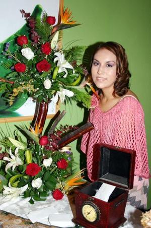 <u><i> 29 de noviembre de 2004</u></i><p> Nadia Heredia Hernández disfrutó de una fiesta de despedida de soltera.