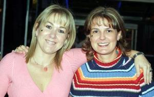 Adriana de González y Magaly de Cruz