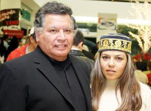 Carlos Cisneros y Yuly  Cisneros.