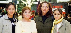 Gemma Lugo, Silvia Valenzuela , Paty de Lugo y Ana Lugo