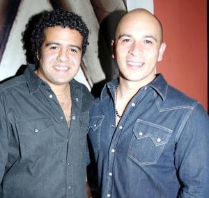 <u><i> 29 de noviembre de 2004</u></i><p> Richo Castañeda y Francisco Villaseñor.