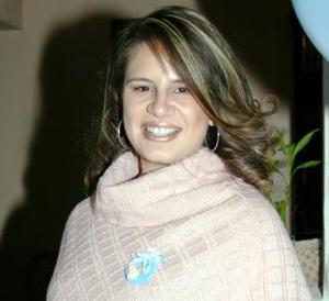 Alejandra Galvan de Humprey espera su primer bebé
