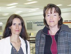 <u><i>30 de noviembre de 2004</u></i><p> María del Carmen Cuevas y Magda Cater viajaron a México.