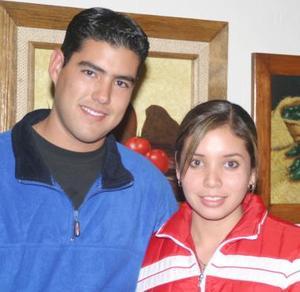 <b>02 de diciembre de 2004</b><p> Rosy Banuet y Rafael Pacheco.