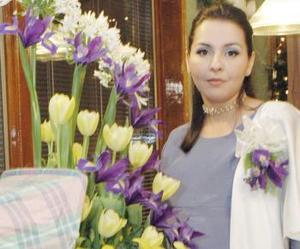 <b>02 de diciembre de 2004</b> <p> Norma Roberta Medina de Ávalos  disfrutó de una fiesta de canastilla que le ofreció sus mamá