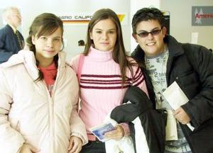 Carlos Muñoz, Olga y Ethel Villarreal viajaron a Nueva York.