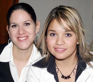 Adriana Díaz Backman y Lizania Agüero.
