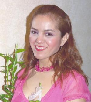 El próximo diez de diciembre contraerá matrimonio Verónica Flores Zamudio.