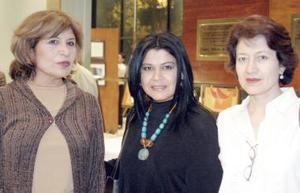Alejandra Vázquez, Laura Velázquez e Irma Orduña.