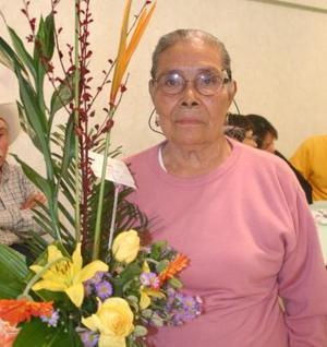 <b>04 de diciembre de 2004</b> <p> Mariana Villalpando de García festejó  sus 80 años de vida con un festejo