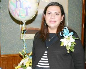 <b>04 de diciembre de 2004</b> <p> Rosa Isela Vázquez de Hernández en espera de su bebé.