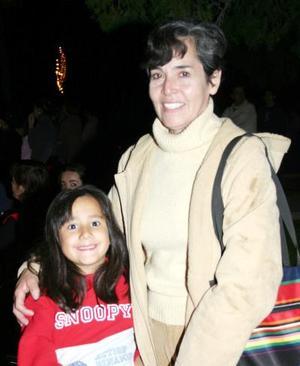 Lizeth Viesca Sánchez y Gloria Tallabas.