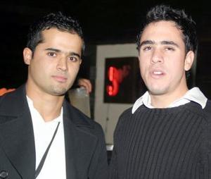 <b>04 de diciembre de 2004</b> <p> Manolo y Tarak