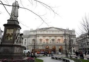 La reapertura del histórico teatro lírico, uno de los más importantes del mundo, ha estado rodeada de una gran expectación y se ha convertido en un acontecimiento social.
