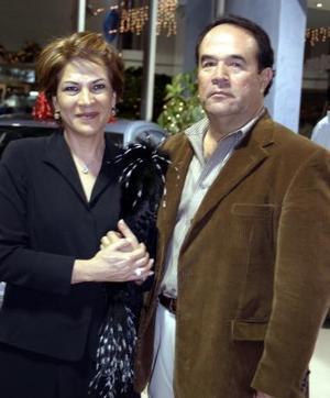 Graciela de Villalobos y Eduardo Villalobos.