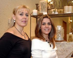 Liliana Notni y Claudia Estrella de Luna.