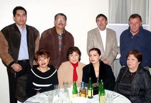 María Dolores, Lourdes Silva, Irene Silva, Virginia Silva, Guillermo García , José de Jesús Urquizo y Benjamín Reynoso.