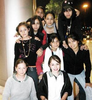 -Mariana  Olivares, Anayeli Luna, Chantal Tovar, Ana Cris Luna, Montserrat Pérez y Ana Herrera