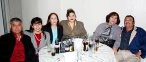 -Martín Lumbreras, Encarnación Martínez, Ruth Romero, Katy Solís, Marina Villalobos y César Rubén del Ríos.