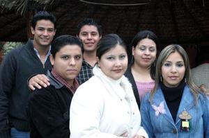 Óscar Carrillo, Guillermo, Fabiola, Ana Laura, Pedro Martín y Cynthia Carrillo.