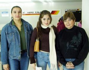 Alylin Marisa viajóo a California y fue despedida por Ines y Maria Ayala.
