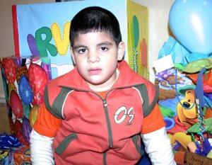 Irving Mauricio Castillo Villegas captado en su fiesta de cumpleaños