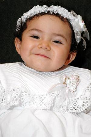 La pequeña Pamela Isdareli Ramírez Juárez, captada en festejo social.