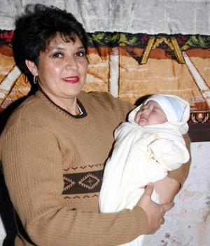 Margarita Muñoz de Esquivel recibió nonitos regalos en la fiesta de bienvenida que se le ofreció  por el nacimiento de su hijita María Izabel Esquivel Muñoz.