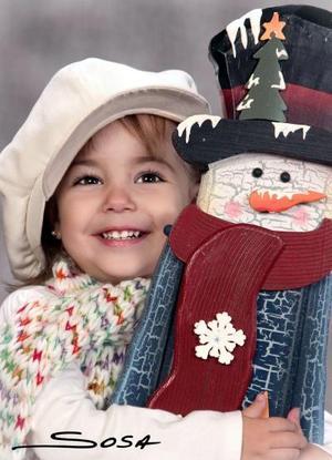 Paola Garza Araiza, en una foto de estudio con motivo de la Navidad.