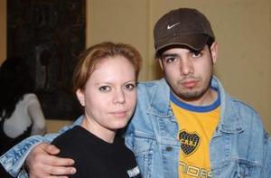 <b>09 de diciembre de 2004</b><p> Mayra Montelongo y Carlos Sherek.