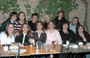 El grupo Seis de ex-scouts se reunio en dias pasados para disfrutar  de un ameno convivio en conocido restaurante