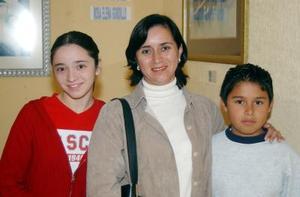 Mónica Duarte, Juanis Duarte y Javier de la Fuente.
