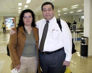 <b>07 de diciembre de 2004</b> <p> Simón Vargas Aguilera  y Ana Cristina de Vargas viajaron a México, D.F