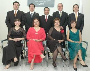 Paty R.de Mota, José A. Mota, Mayela Hernández, Rafael Saavedra; Norma de Luján, Óscar Luján, Alicia de Rosado, Juan José Rosado y Pablo Mendoza .