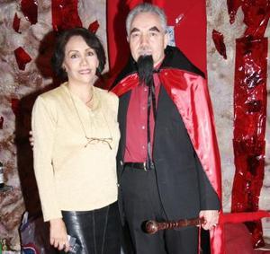 Dra. María de la Luz Martínez de Méndez y Dr. Ignacio Méndez Lastra.