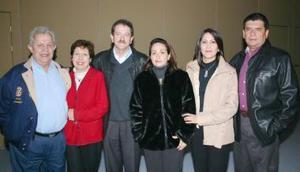 Félix y Cony López Amor, Manuel y Lupita Goytortua, Ricardo y Tere Ortiz.