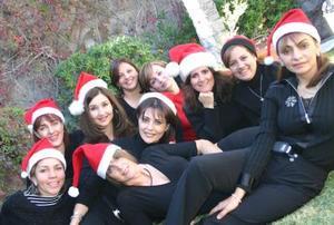 Ex alumnas del Colegio Americano de Torreón disfrutaron de una agradabble convivencia durante la posada navideña que organizaron.