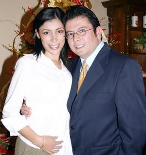 Pamela Rodríguez Venegas y Luis Guillermo Hernández Aranda formalizaron su compromiso matrimonial.
