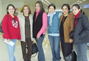 Alba Olague y Rosa masría Macías viajaron a Italia y las despidieron Elba Olague, Laura Rodríguez, Rosa Carreón y Laura Olague.
