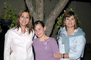 Pilar Ortuela, Baby Revuelta, y Maribel de Treviño.