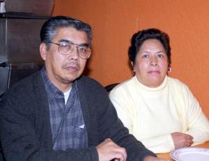 Fernando Tea Wong y Olga Mejía de Tea