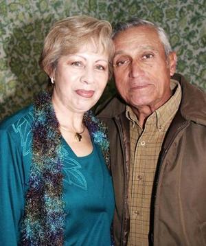 Jesús y Yolanda Pedroza celebraron sus 40 años de matrimonio.
