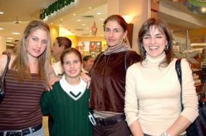 Mayosa Barboglio, Ximena Barboglio, Mayosa Batboglio y María Luisa Marroquín