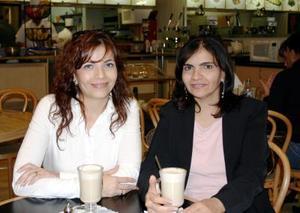 Nancy Zarzar de Zablah y Mónica Zarzar de Gutiérrez.