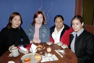 Yolanda Garcia, Cristina Badillo, Jocabeth Flores y Blanca Alcala.