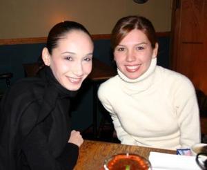 Delia Cárdenas y Elena Saldívar.