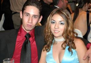 Jorge Hernández y Karla López.