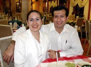 José Alberto Sánchez y Minerva Bassoco Vielma.