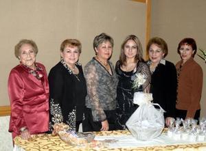 Carmen O. Moreno, Consuelo Moreno de Sánchez, Dora Margarita Moreno Orozco, María del Carmen Moreno de Hernandez y Ruth Favela de Porras, le ofrecieron una despedida de soltera a Rocío áanchez Moreno por su cercana boda.